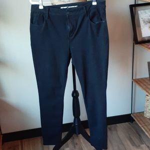 Black Old Navy Rockstar Skinny Jeans